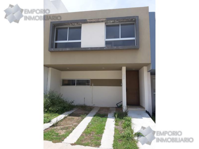 Foto Casa en Renta en  Tlajomulco de Zúñiga ,  Jalisco  Casa Renta El Origen Coto Torrenta #155 $10,700 A257 E1