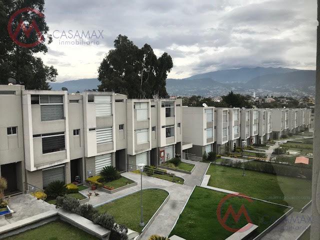 Foto Casa en Venta en  Tumbaco,  Quito  CASA TUMBACO