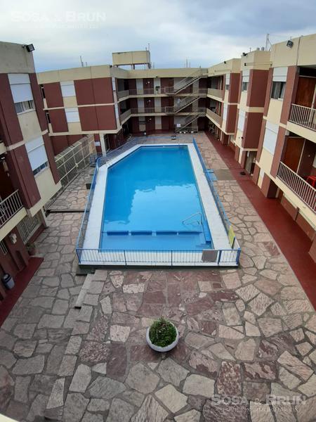 Foto Departamento en Alquiler en  Villa Carlos Paz,  Punilla  Departamento de dos dormitorios , Pileta y cochera . Villa Carlos Paz