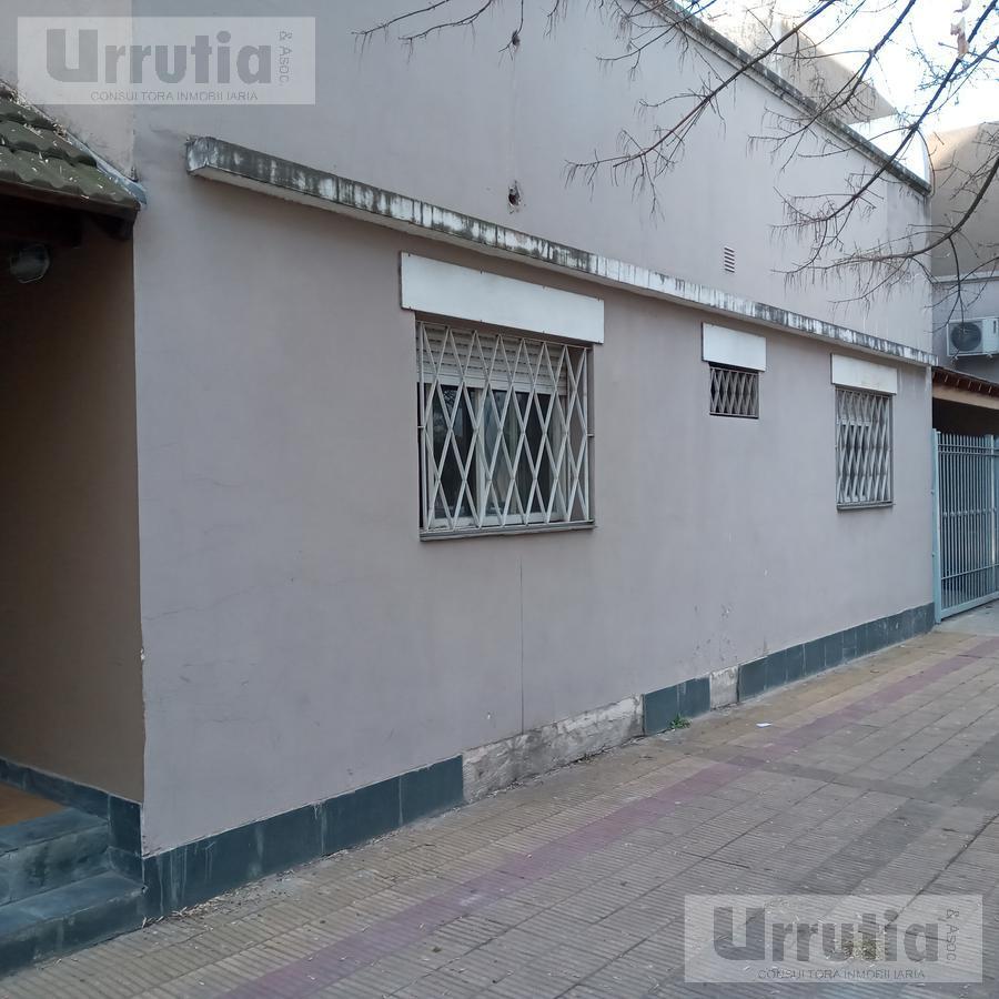 Foto Casa en Venta en  Moron ,  G.B.A. Zona Oeste  Moreno al 900