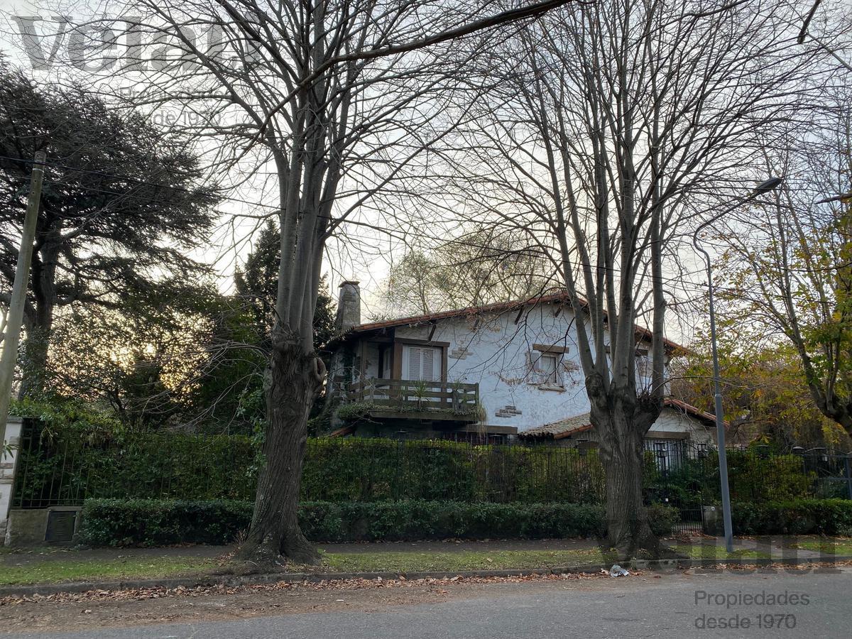 Foto Casa en Venta en  Los Troncos,  Mar Del Plata  Urquiza 3500 - Los Troncos - Mar del Plata