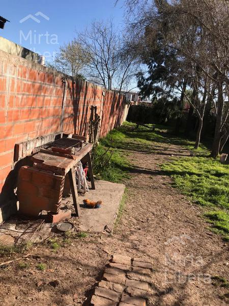 Foto Casa en Venta en  La Plata ,  G.B.A. Zona Sur    Calle 16 entre 609 y 610