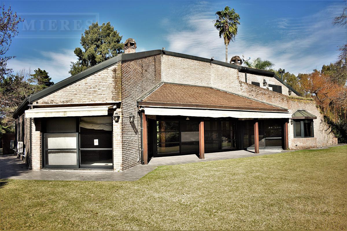 Casa de 314 mts en Mayling Club de Campo