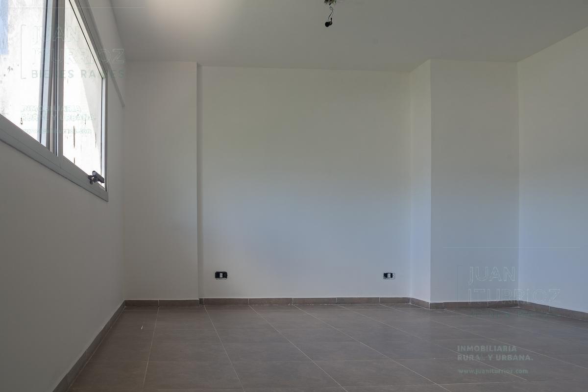 Foto Oficina en Alquiler en  Microcentro,  La Plata  10 e/ 44 y 45 - La Plata