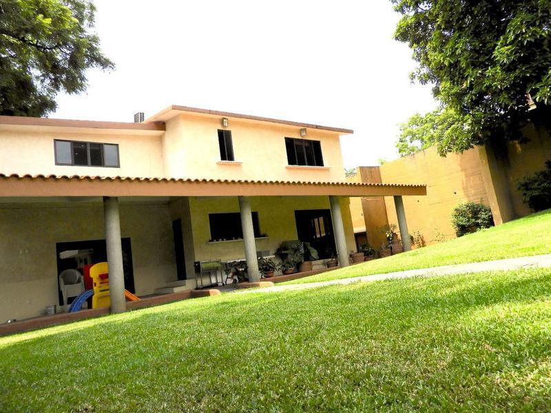 Foto Casa en Venta en  Fraccionamiento Jardines de Delicias,  Cuernavaca  Venta de casa sola, Col. Jardines de Delicias, Cuernavaca...Clave 2590