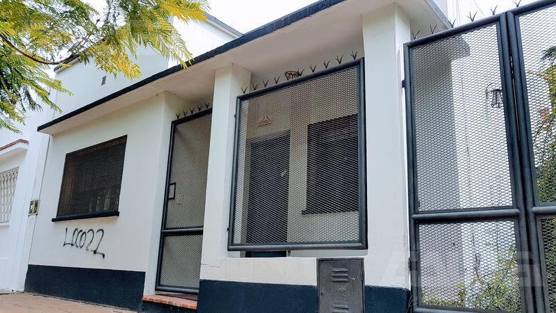 Foto Casa en Venta en  Merlo ,  G.B.A. Zona Oeste  Av Argentina al 1000