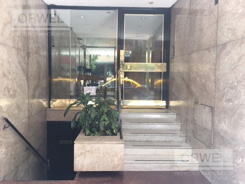 Foto Oficina en Alquiler |  en  Recoleta ,  Capital Federal  PB, ofi o consultorio.  Ubicacion premium. Uriburu y Junin.
