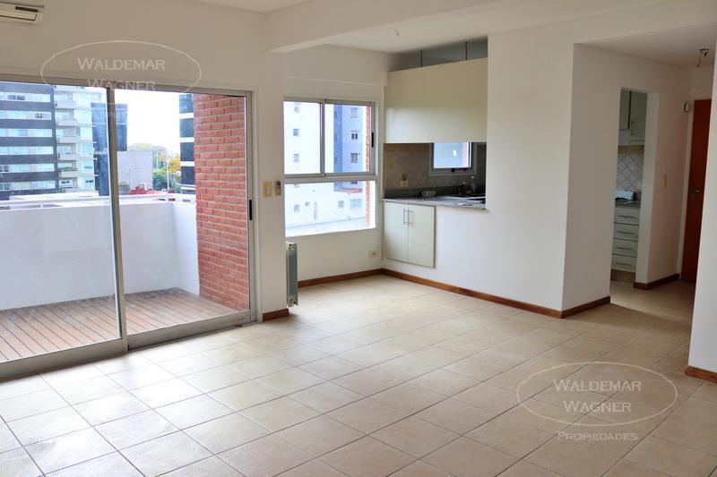 Foto Departamento en Venta en  V.Lopez-Vias/Rio,  Vicente Lopez      Uspallata 775 3°    (con renta)