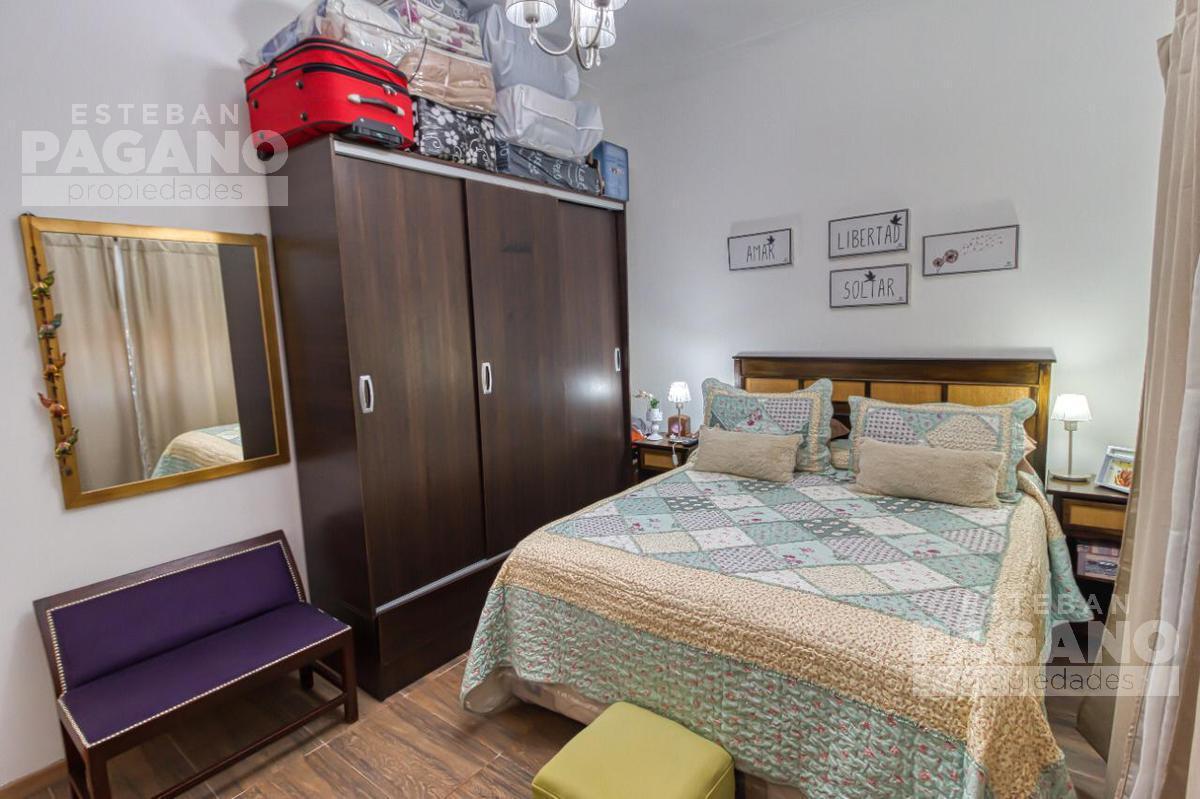 Foto Casa en Venta en  La Plata,  La Plata  117 E 69 Y 70