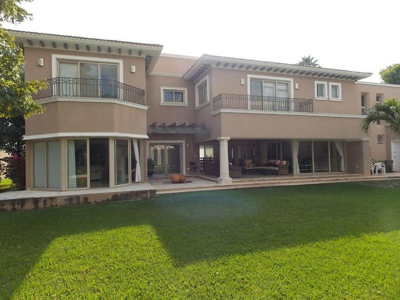 Foto Casa en condominio en Renta en  Privada Montecristo,  Mérida  Renta Residencia Amueblada Privada Montecristo Mérida Yucatán