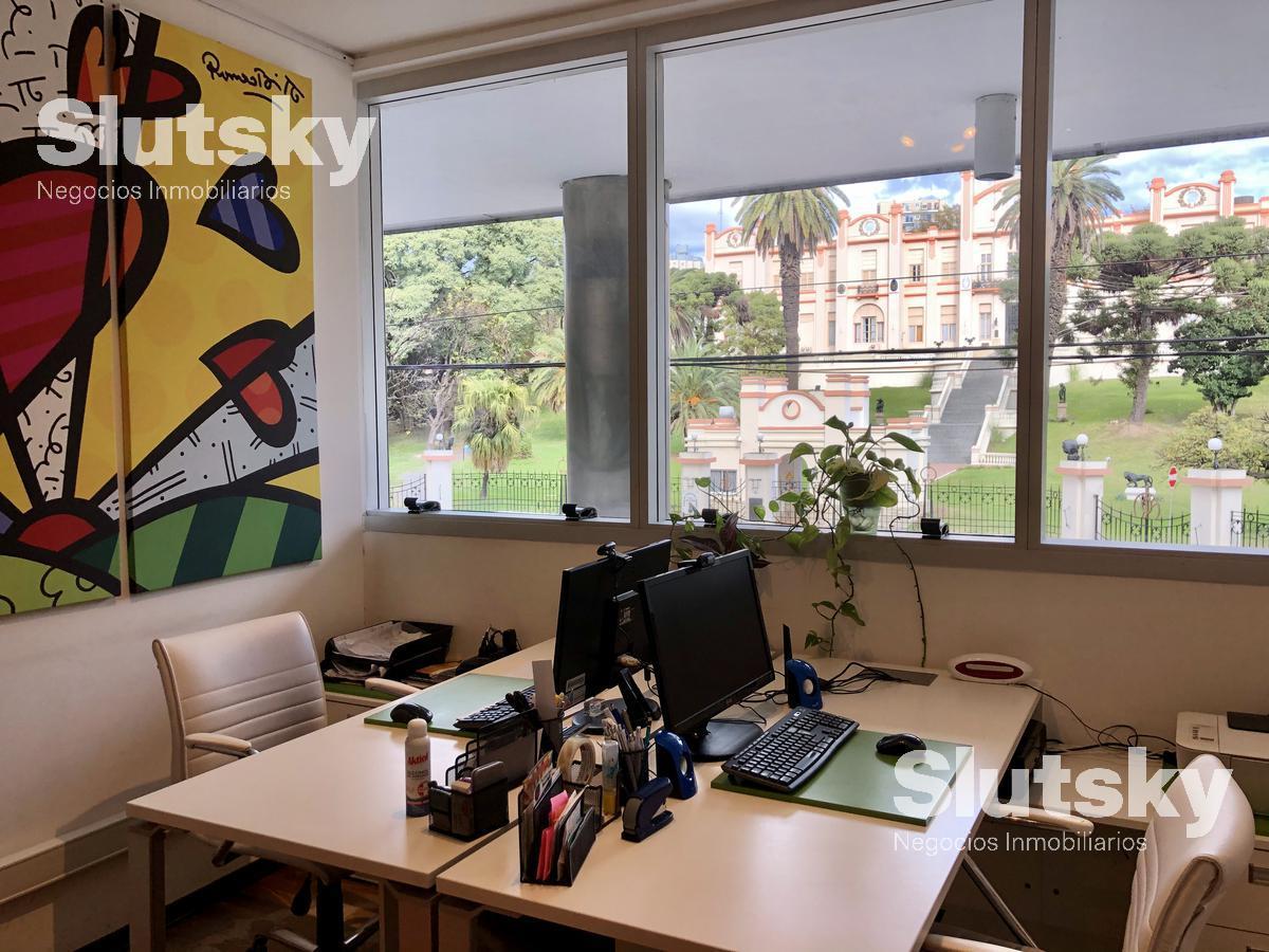 Foto Oficina en Venta en  Las Cañitas,  Palermo  Luis María Campos al 500