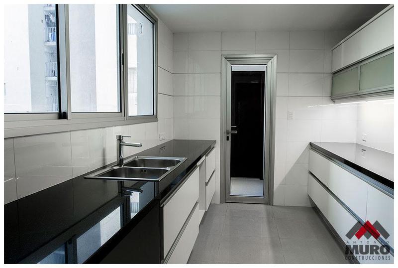 Foto Apartamento en Venta en  Pocitos ,  Montevideo  Av. Brasil y Chucarro