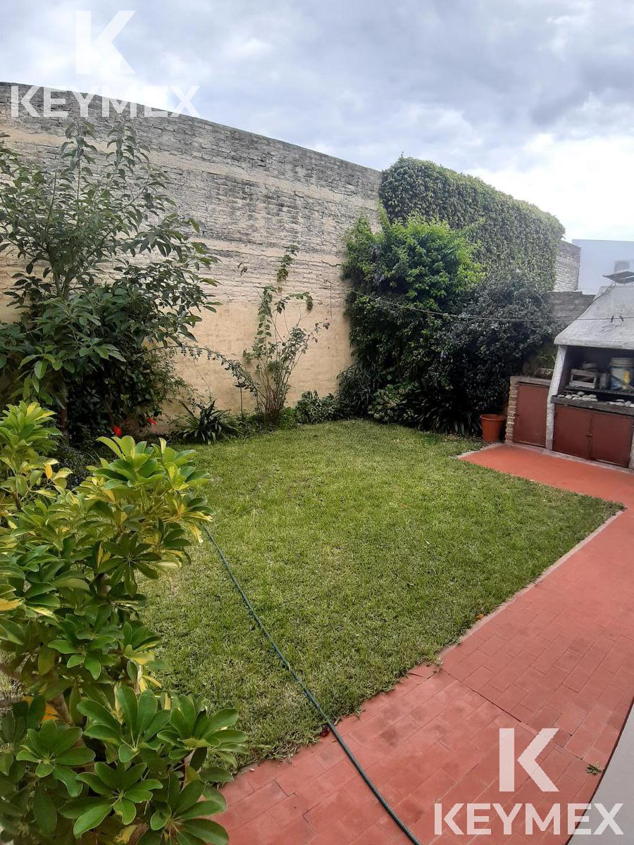 Foto Casa en Venta en  La Plata ,  G.B.A. Zona Sur  Casa-25 entre 62 y 63