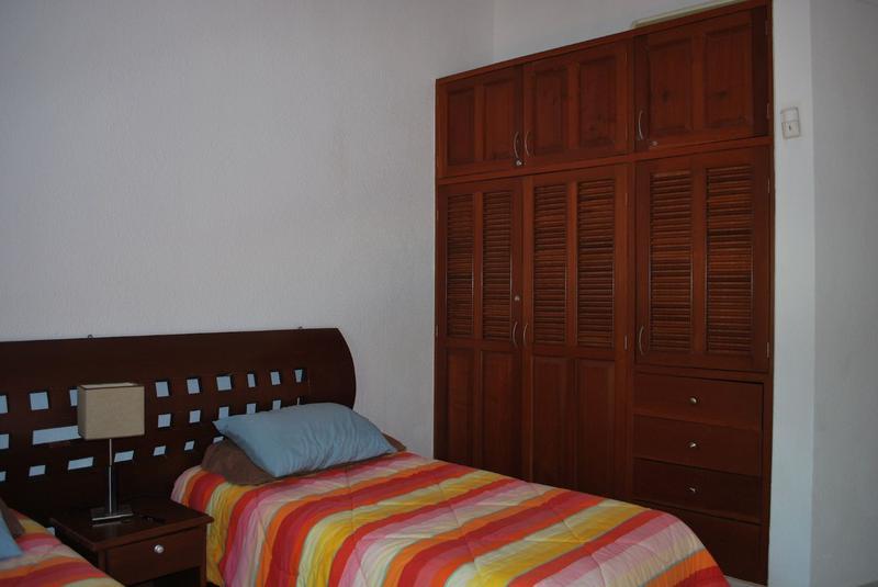 Foto Casa en Venta en  Solidaridad ,  Quintana Roo  En Venta Villa de 2 recamaras Palma Real Playa del Carmen P2520