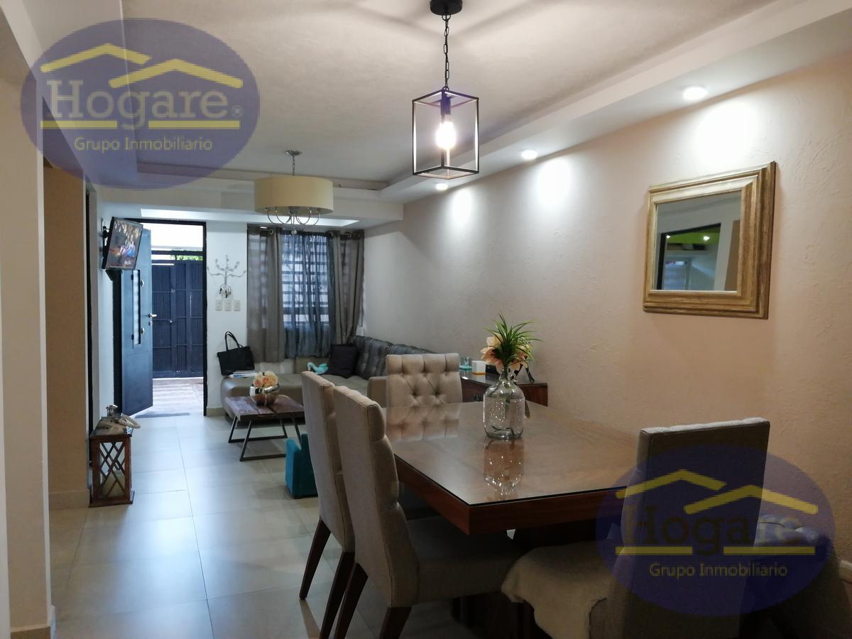 Hermosa casa en venta Jardines de Santa Julia León Gto. Con excelente arquitectura y diseño