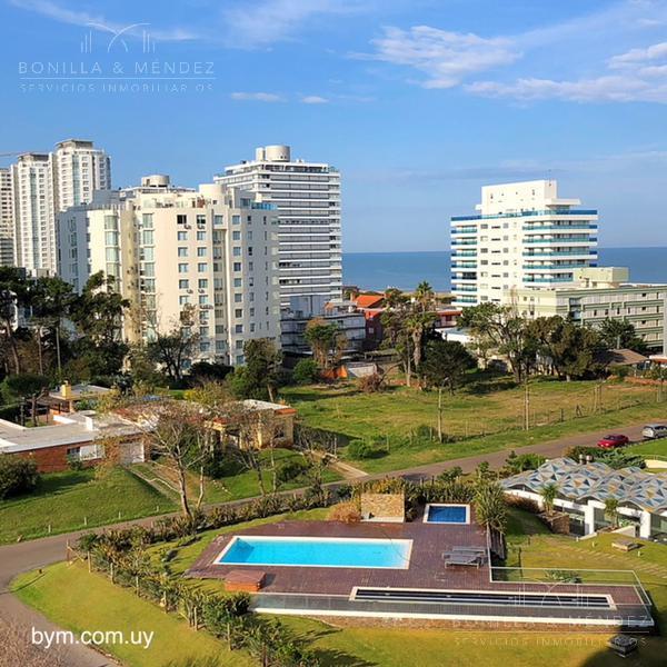 Foto Apartamento en Alquiler temporario en  Aidy Grill,  Punta del Este  Torre Esmeralda