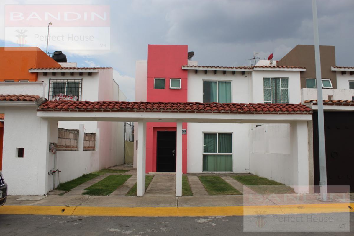 Foto Casa en condominio en Venta en  Urbano Bonanza,  Metepec  Julio Ruelas, Fracc. Urbano Bonanza, Metepec
