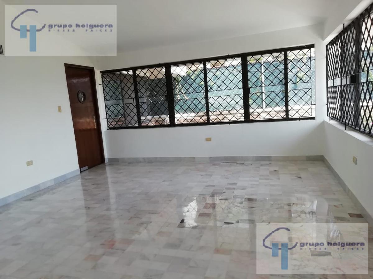 Foto Casa en Venta en  Petrolera,  Tampico  CV-394 EXCELENTE CASA EN VENTA EN COL. PETROLERA CHAIREL 33, CALLE ESMERALDA