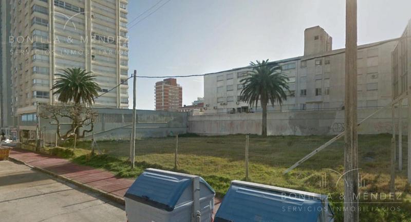 Foto Terreno en Venta en  Península,  Punta del Este  Calle 21 esquina Calle 24