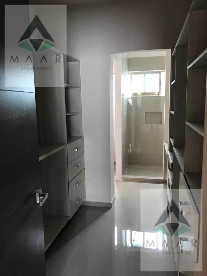 Foto Casa en condominio en Venta en  Cancún,  Benito Juárez  Se Vende Casa en Cancun de 4 Recamaras Residencial Arbolada