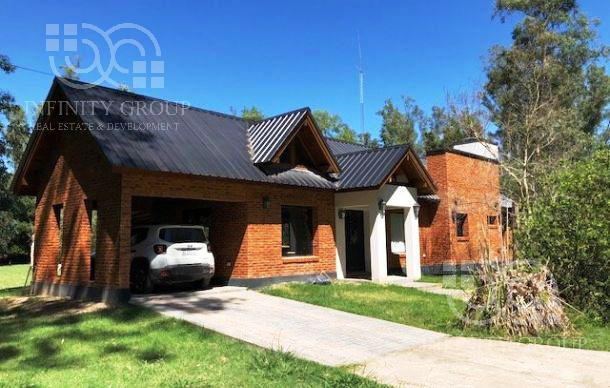 Foto Casa en Venta en  Barrio Los Bosquecitos,  Coronel Brandsen  Santa Ana 200