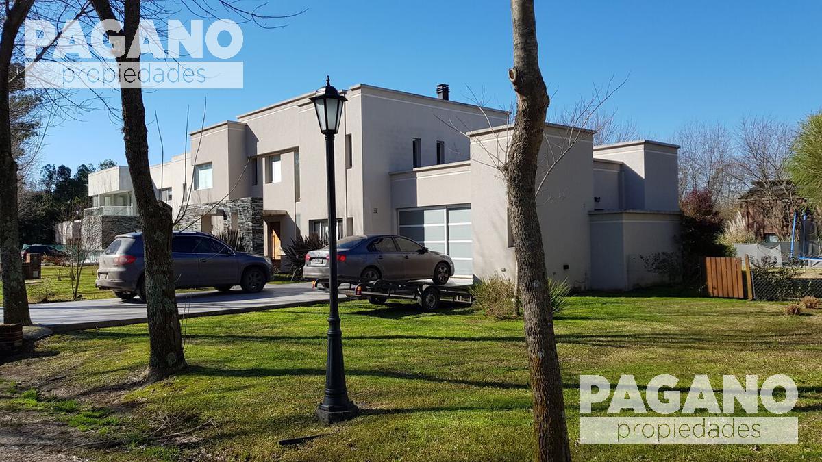 Foto Casa en Venta en  Grand Bell,  Countries/B.Cerrado (La Plata)  Grand Bell I 467 e/ 142 y 148