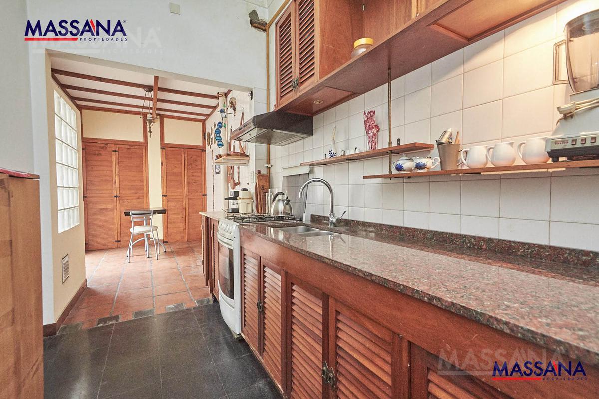 Foto Casa en Venta en  Villa Devoto ,  Capital Federal  Simbron al 4200
