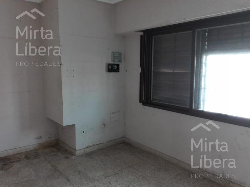 Foto Local en Alquiler en  La Plata ,  G.B.A. Zona Sur  Calle 69 entre 9 y 10