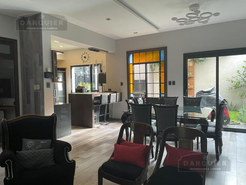 Foto Casa en Venta en  Temperley,  Lomas De Zamora  GENERAL GUIDO 137