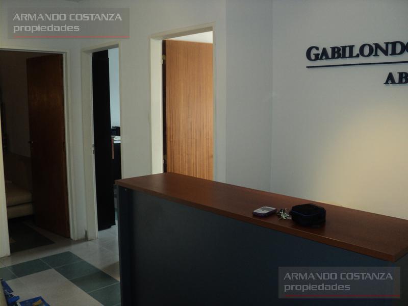 Foto Oficina en Venta en  Puerto Madryn,  Biedma  avenida roca 353