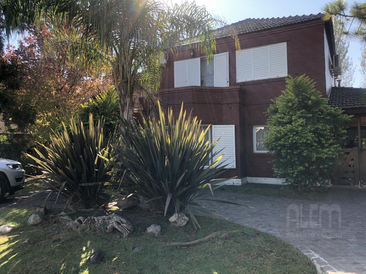 Foto Casa en Venta | Alquiler en  Esteban Echeverria ,  G.B.A. Zona Sur  Echeverria Del Lago