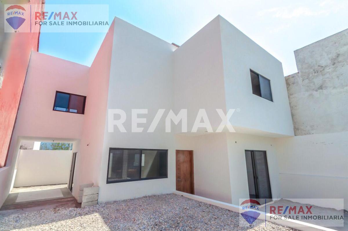 Foto Casa en Venta en  Loma del Tzompantle,  Cuernavaca  Venta de casa en Lomas Tzompantle, Cuernavaca…Clave 3046