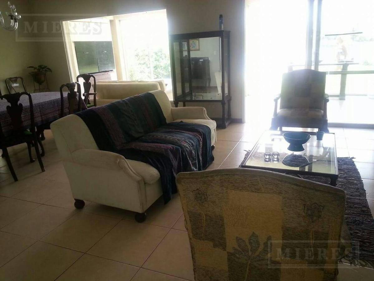 Casa en venta a La Laguna en Santa Barbara
