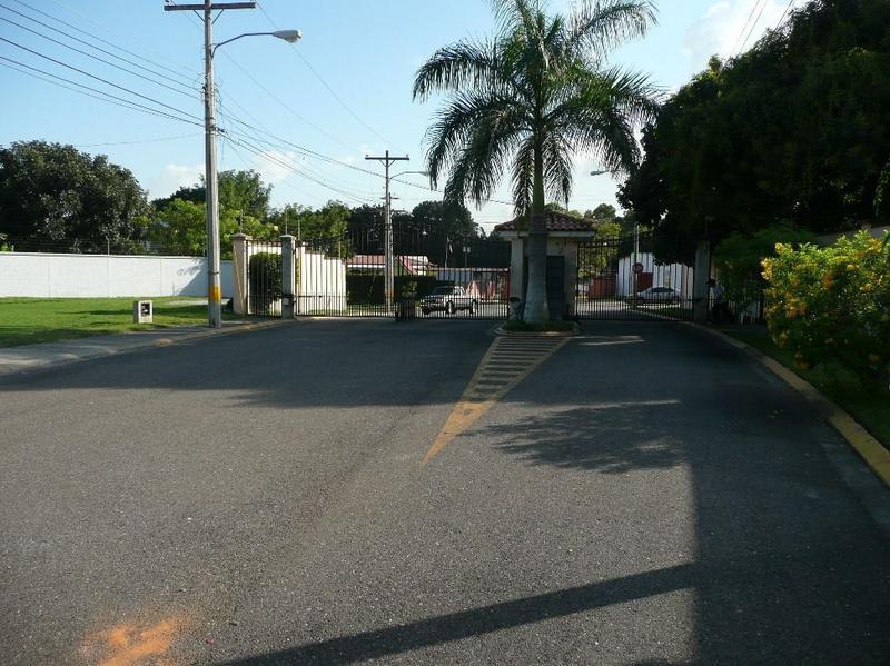 Foto Terreno en Venta en  El Playon,  San Pedro Sula  Venta de Terreno Res. Palma Real