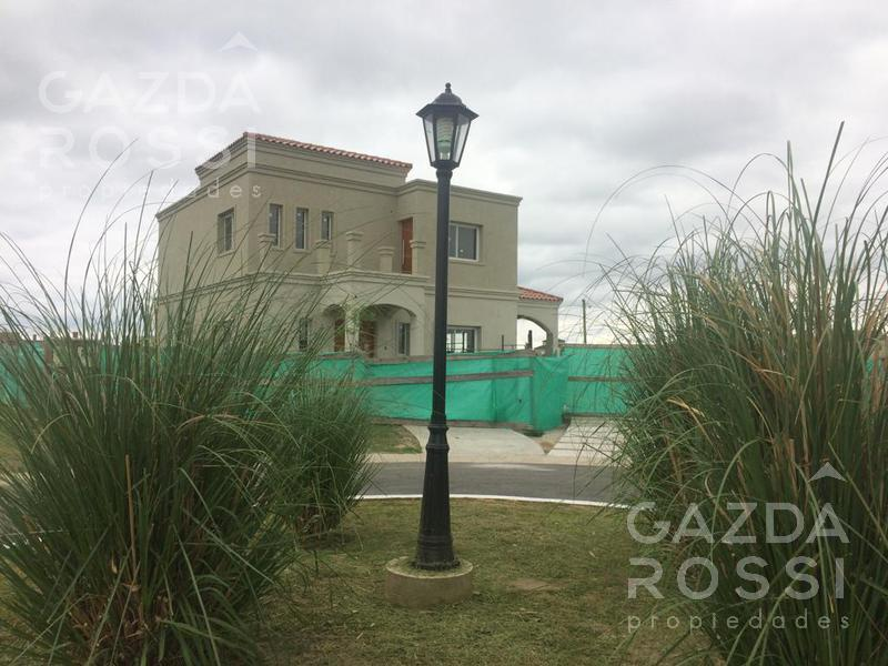 Foto Casa en Venta en  Santa Ines,  Canning  Casa a estrenar en Santa Ines