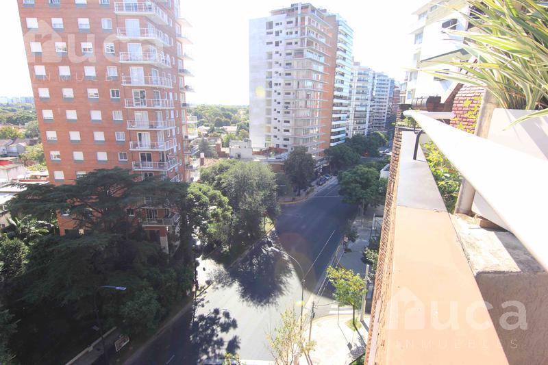 Foto Departamento en Venta en  La Lucila,  Vicente Lopez  Av. Libertador 3700 - La Lucila