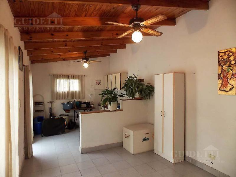 Foto Casa en Venta en  B.P.Saavedra,  V.Urquiza  Catriel al 3500