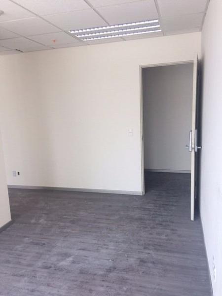Foto Oficina en Venta en  Interlomas,  Huixquilucan  SKG Asesores Inmobiliarios Vende Oficina Comercial en Corporativo Diamante, Interlomas de 150 m2 , Disponibles también 300 m2