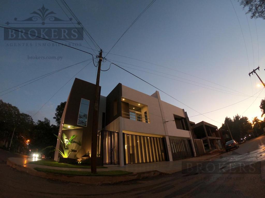 Foto Casa en Venta en  Valle Apu'á II,  Lambaré  Vendo Duplex  A Estrenar De 3 Suites En La Ciudad De Lambare