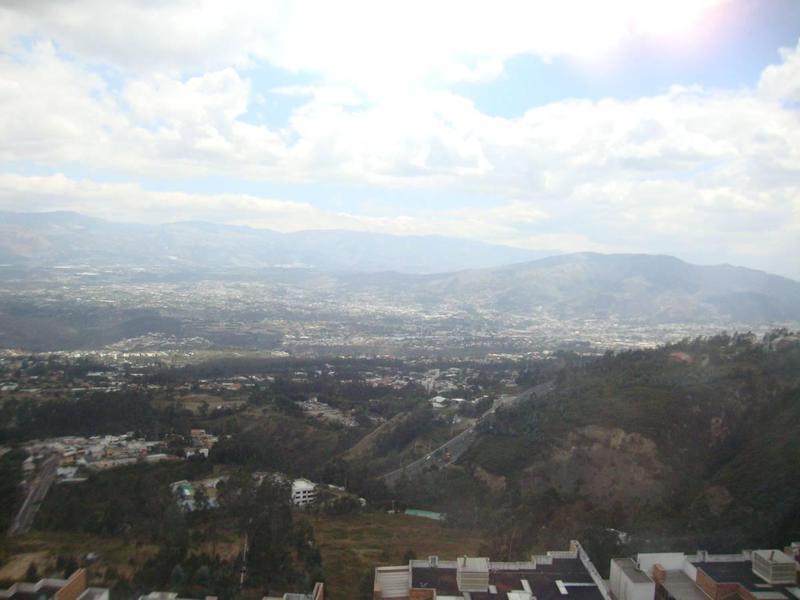Foto Departamento en Venta en  Monteserrín,  Quito  Monteserrin