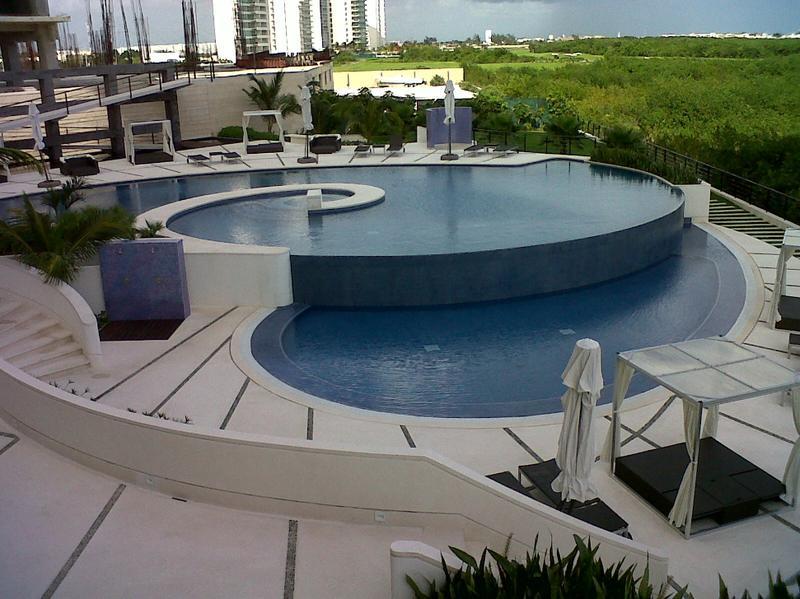 Puerto Cancún Departamento for Venta scene image 0