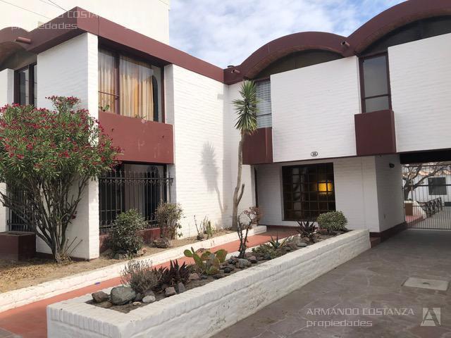 Foto Casa en Alquiler en  Puerto Madryn,  Biedma  JOSÉ HERNÁNDEZ 53