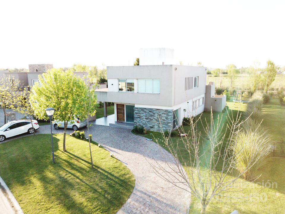 Foto Casa en Alquiler | Alquiler temporario en  Terravista,  Countries/B.Cerrado (G. Rodriguez)  Casa en Alquiler Country Terravista