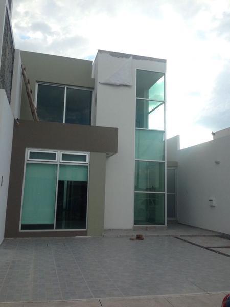 Foto Casa en Venta   Renta en  Fraccionamiento Residencial Monarca,  Zamora  Casa en venta en  Fraccionamiento Paraíso Azul de Zamora