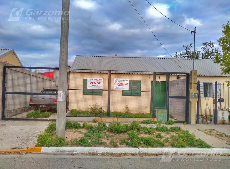 Foto Casa en Alquiler en  Trelew ,  Chubut  Benavente  al al 900