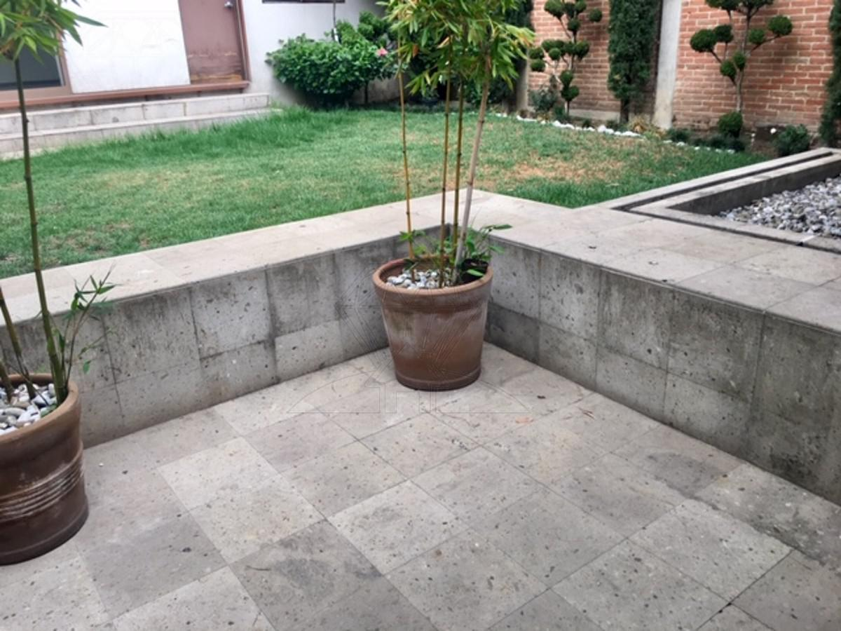 Foto Casa en Venta | Renta en  Lomas de Tecamachalco,  Huixquilucan                          Casa en venta o renta  Fuente de Pegaso en CERRADA, Lomas de Tecamachalco (GR)