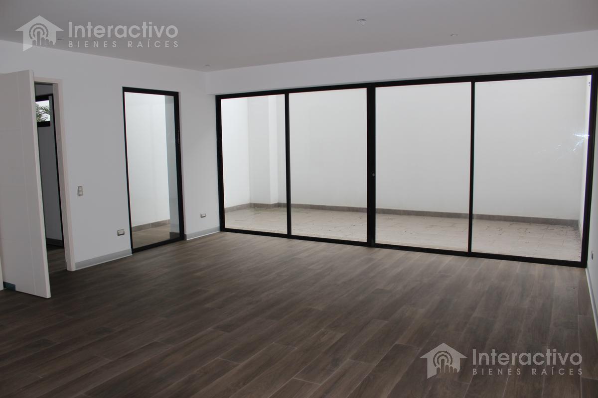 Foto Departamento en Venta en  Barranco,  Lima      Dpto. en primer piso cerca al Malecon Paul Harris