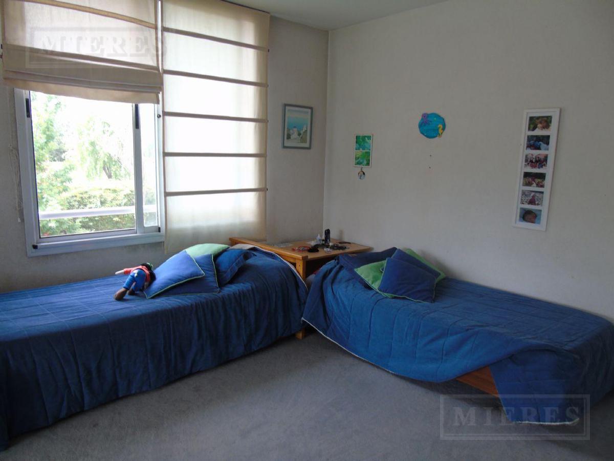 Mieres Propiedades - Casa de 220 mts en Las Araucarias
