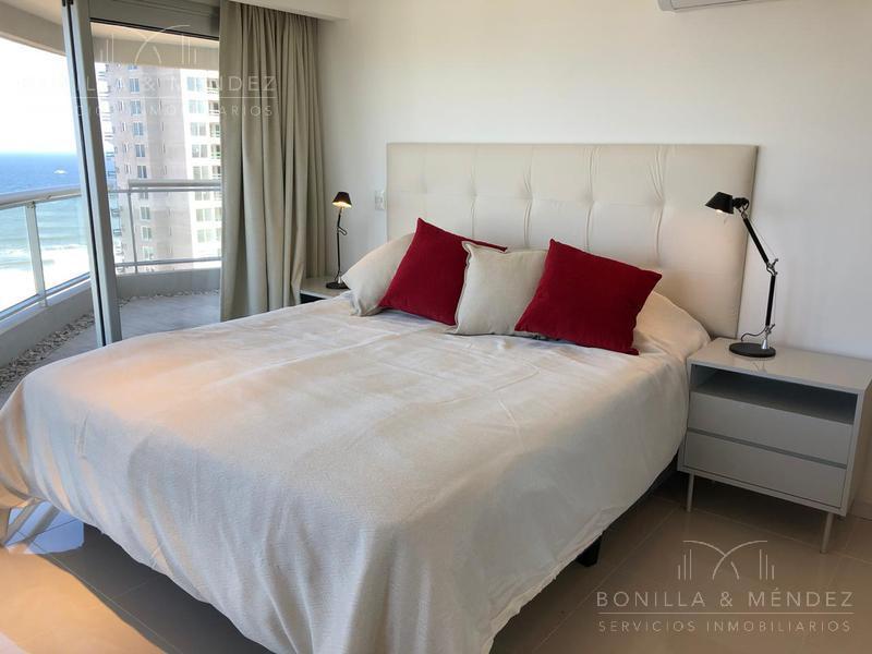 Foto Apartamento en Venta en  Playa Brava,  Punta del Este  Avenida del Mar y Rambla  Lorenzo Batlle Pacheco