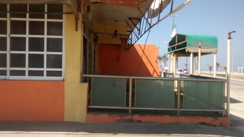 Foto Local en Renta en  Coatzacoalcos Centro,  Coatzacoalcos  AV. CONSTITUCIÓN, ESQ. BOULEVARD JHON SPARK, ENTRE INDEPENDENCIA Y REFORMA, COL. CENTRO